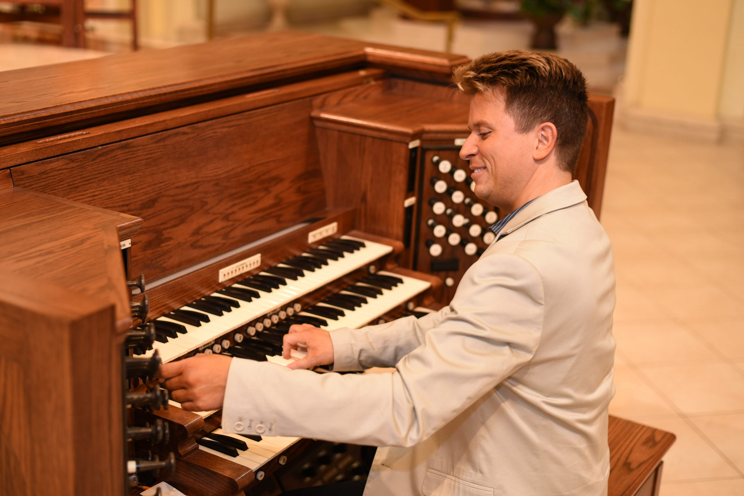 Enhanced organ makes joyful sounds